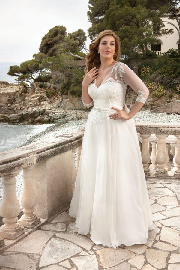 svatební šaty s rukávy